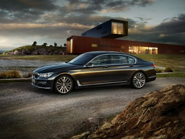 2016-BMW-7-series exterior-left