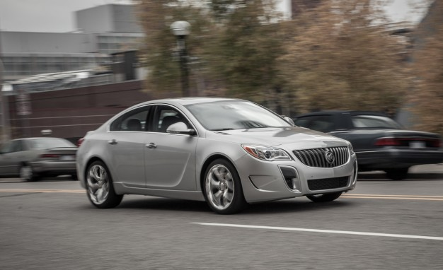 2014 Buick Regal Turbo AWD / GS AWD: A Refresh Moves the Former Closer to the Latter