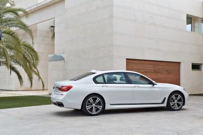 2016-BMW-7-r-profile-Mpack