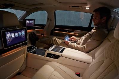 2016-BMW-7-rear-cabin-1