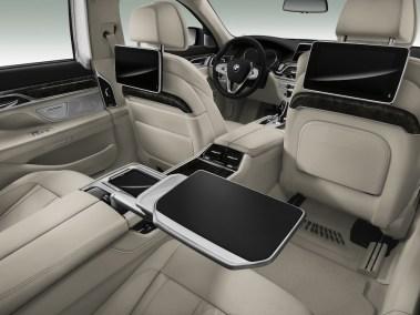 2016-BMW-7-rear-tables