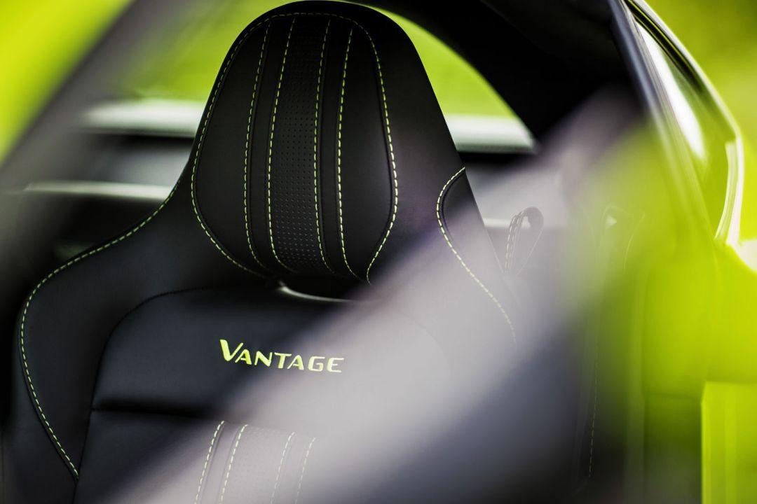 Aston_Martin_VantageLime_Essence18-jpg_7561