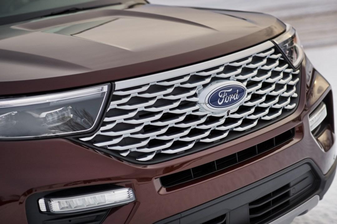18-Ford-Explorer-Platinum_1280x853