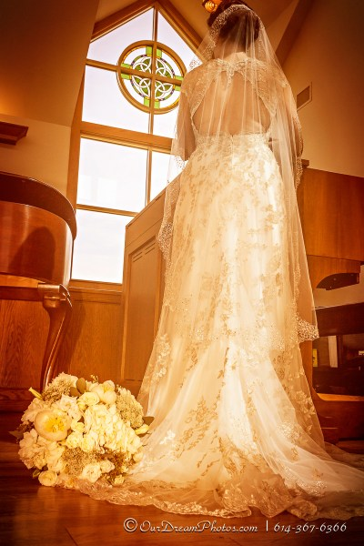 The wedding of Leah Cuthbert and Jason Dahlen photographed Saturday, March 14, 2015 at St Patrick's Episcopal Church. (© Abigail L. Grove   http://OurDreamPhotos.com   614-367-6366)