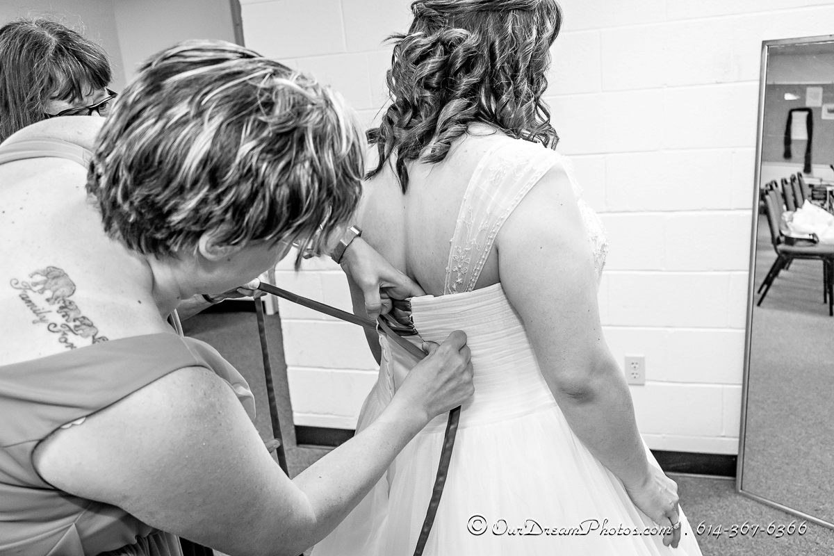 The wedding and reception of Jennifer Holland and Brian Sheldon photographed Saturday, July 29, 2017 at the Stoneybrook UMC and Emswiler Farms. (© Abigail L. Grove | http://OurDreamPhotos.com | 614-367-6366)