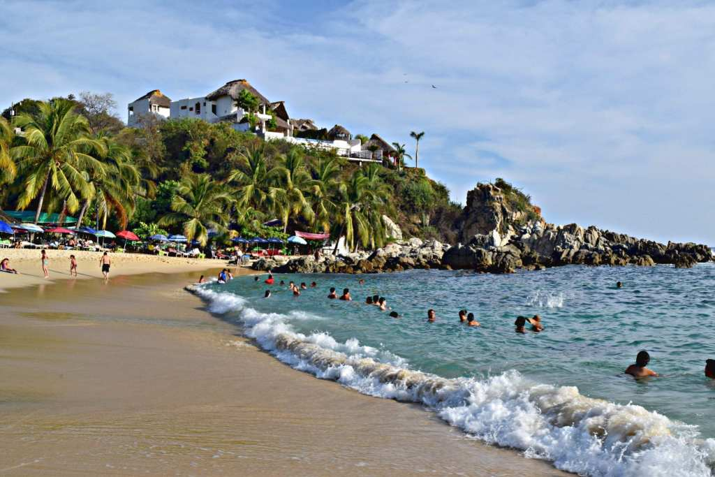 Surfing Lessons in Puerto Escondido