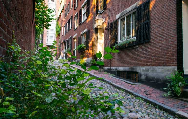 Things to Do in Boston: Acorn Street