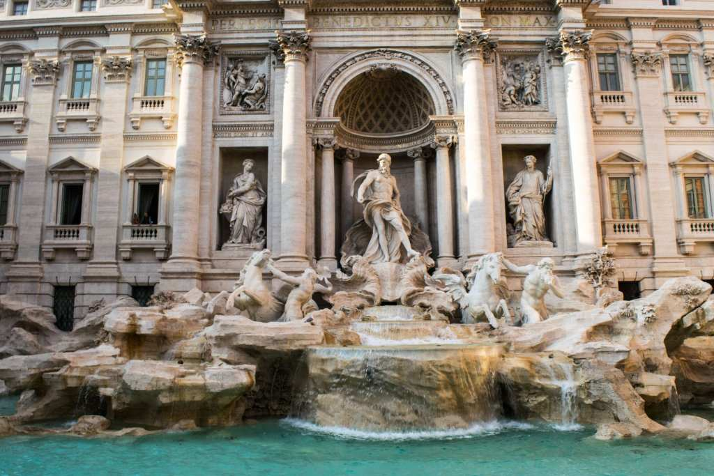 What to Pack for Italy: Trevi Fountain
