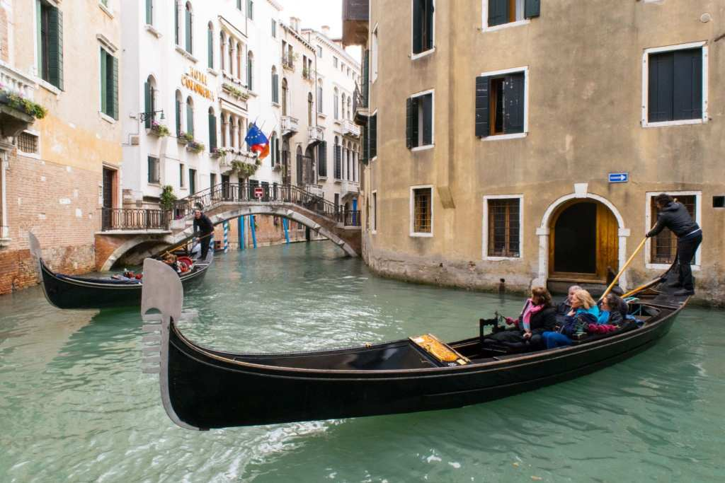 Italy Bucket List: Gondolas in Venice