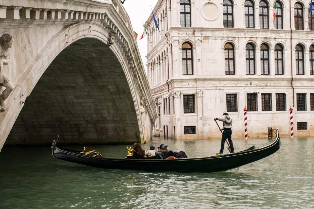 3 Days in Venice in November: Rialto Bridge Gondola
