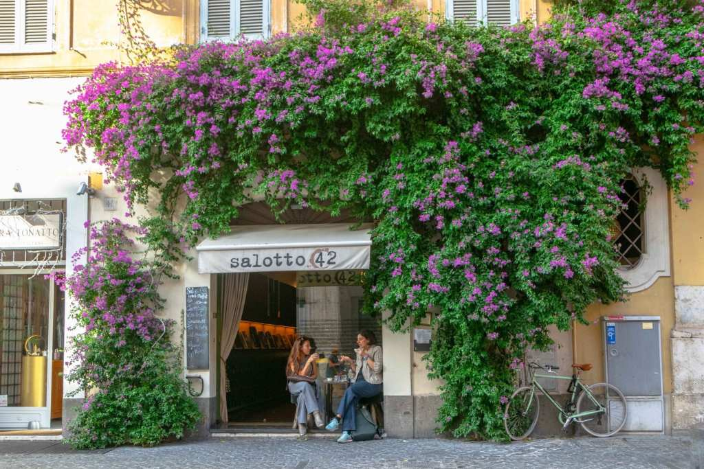 2 Days in Rome Itinerary: Girls in Cafe