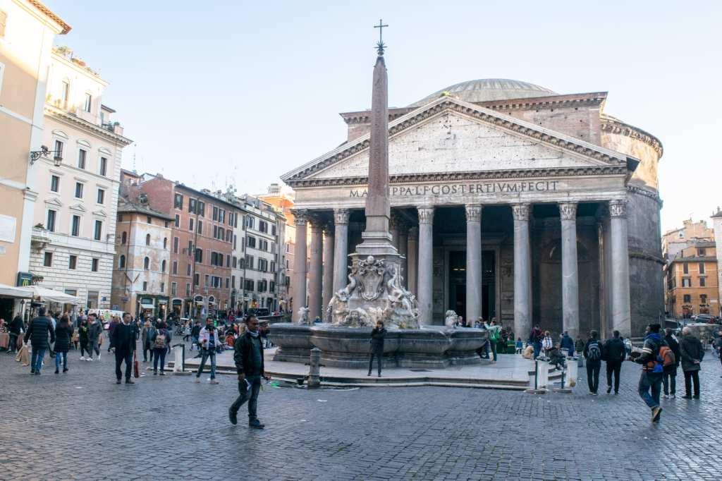 Piazza della Rotonda, Best Photo Spots in Rome