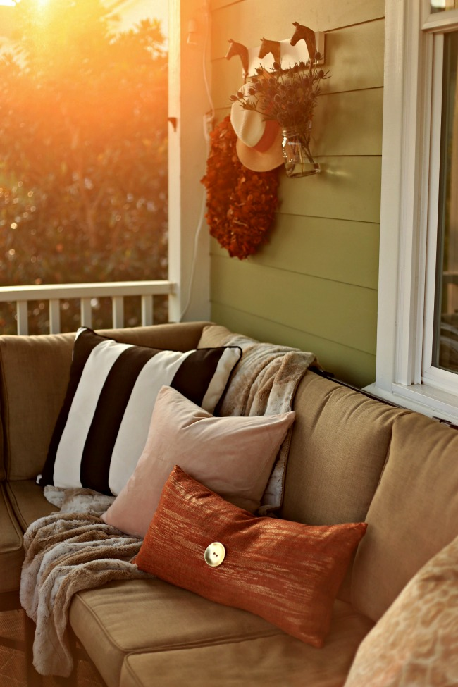 fall screen porch decor
