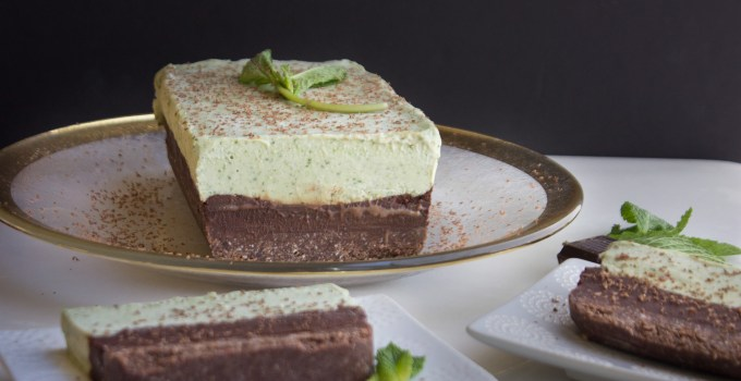 Grasshopper Cheesecake {Paleo + Raw Vegan}