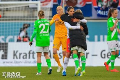 Annike Krahn (PSG) and Martina Müller (WOB) after the match.