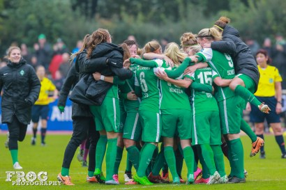 SV Werder Bremen squad celebration.
