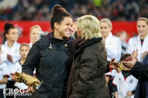 Célia Šašić and Silvia Neid share a moment.