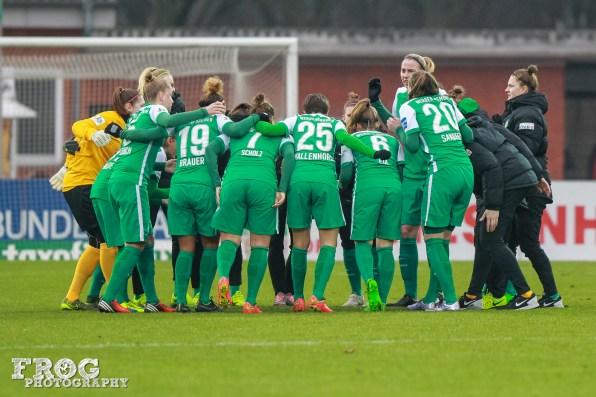 SV Werder Bremen huddle.