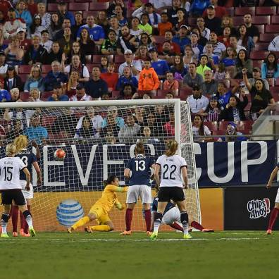 Leonie Maier's game-winning shot for Germany.