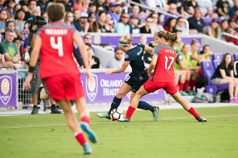 Kristen Hamilton tries to get by Tobin Heath in the 2017 NWSL Championship. (Monica Simoes)