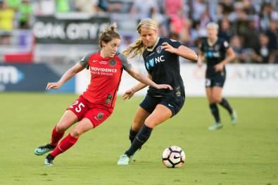 Meghan Klingenberg (Portland Thorns FC) and Makenzy Doniak (North Carolina Courage). (Monica Simoes)