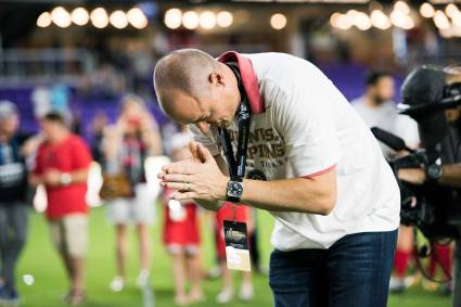 Portland owner Merritt Paulson thanking the Portland fans after the Thorns won the 2017 NWSL Championship. (Monica Simoes)