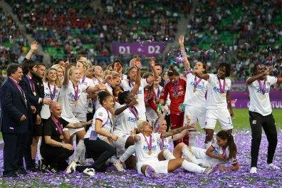 Lyon celebrating. (Daniela Porcelli / OGM)