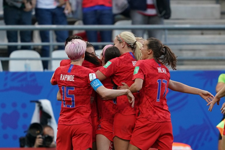 The USWNT celebrating. (Daniela Porcelli)