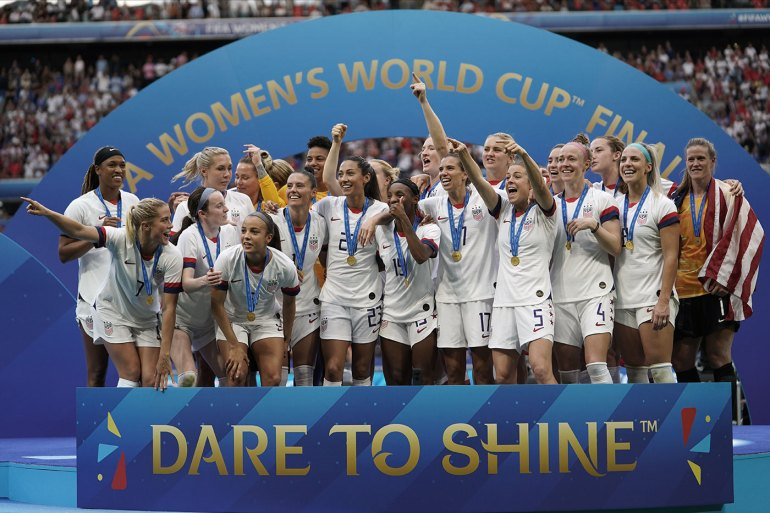 The U.S. Women's National Team at the trophy presentation at the 2019 World Cup. (Daniela Porcelli)