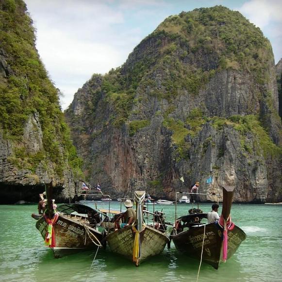 Ph Phi Islands Maya Beach Long Boats