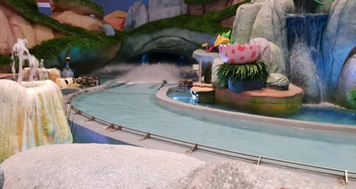 Flinstones log ride in Metropolis | WB World Abu Dhabi Family Review