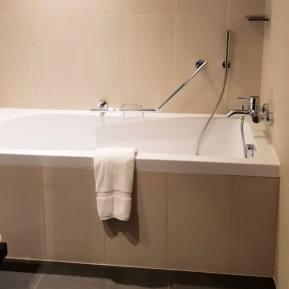 Master bathroom   Novotel World Trade Centre Dubai Family Review