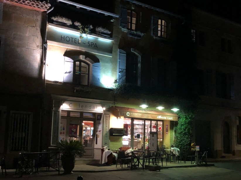 Hotel le Calendal at Night