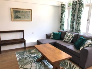 Apartments-for-rent-in-Carcassonne-salon-with-bench