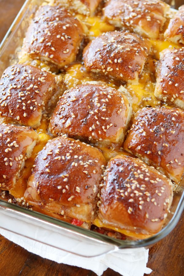 mini-cheeseburger-party-buns-16