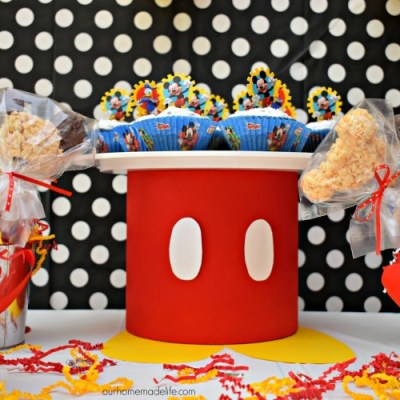 DIY Mickey Cupcake Stand – Ten Minutes!