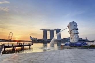 Sunrise View from the Merlion Park, Singapore Honeymoon Destinations
