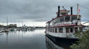 """Lady Dolphin of Daytona """"Paddle"""" Boat"""