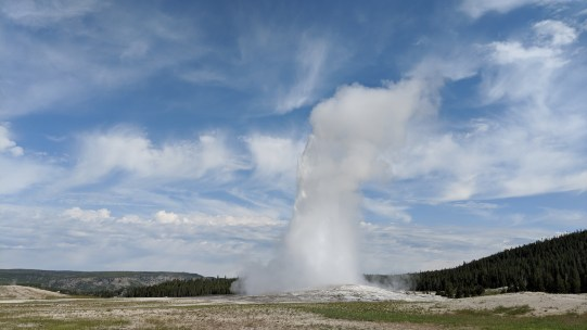 "We were early to the ""show"" for Old Faithful at 9:22AM plus or minus 10 minutes, but it was about 15 minutes late."