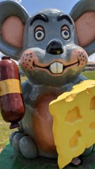 Iconic mouse at Carr Valley Cheese