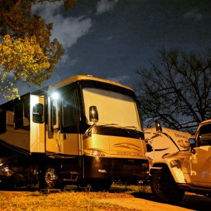 Another week in Winter Garden RV Resort after failures at the dealer to get everything together in time