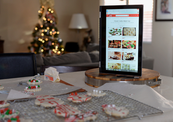 Getting Ready For The Holidays With My Dell Inspiron 13 7000 Series 2-in-1 Tablet PC #Intel2in1