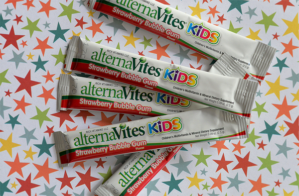 alternaVites Kids strawberry bubble gum vitamins (2)
