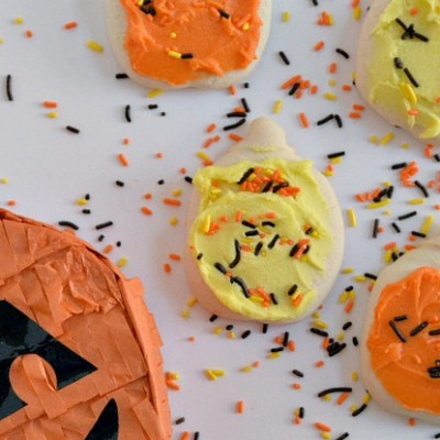 Kids In The Kitchen – Halloween Iced Sugar Cookies