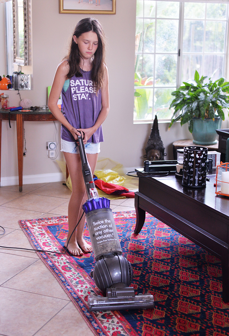 chorepal-app-tween-vacuuming