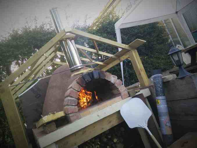 Pizza oven roof