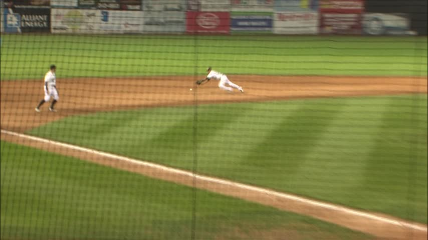 LumberKings beat Kernels 1-0 in 11 to win series-_20160913035709