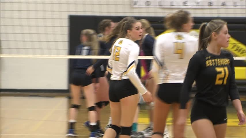 Bettendorf Volleyball defeats PV 3-1.