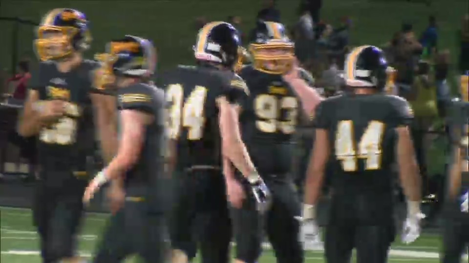 Bettendorf wins against Iowa City West