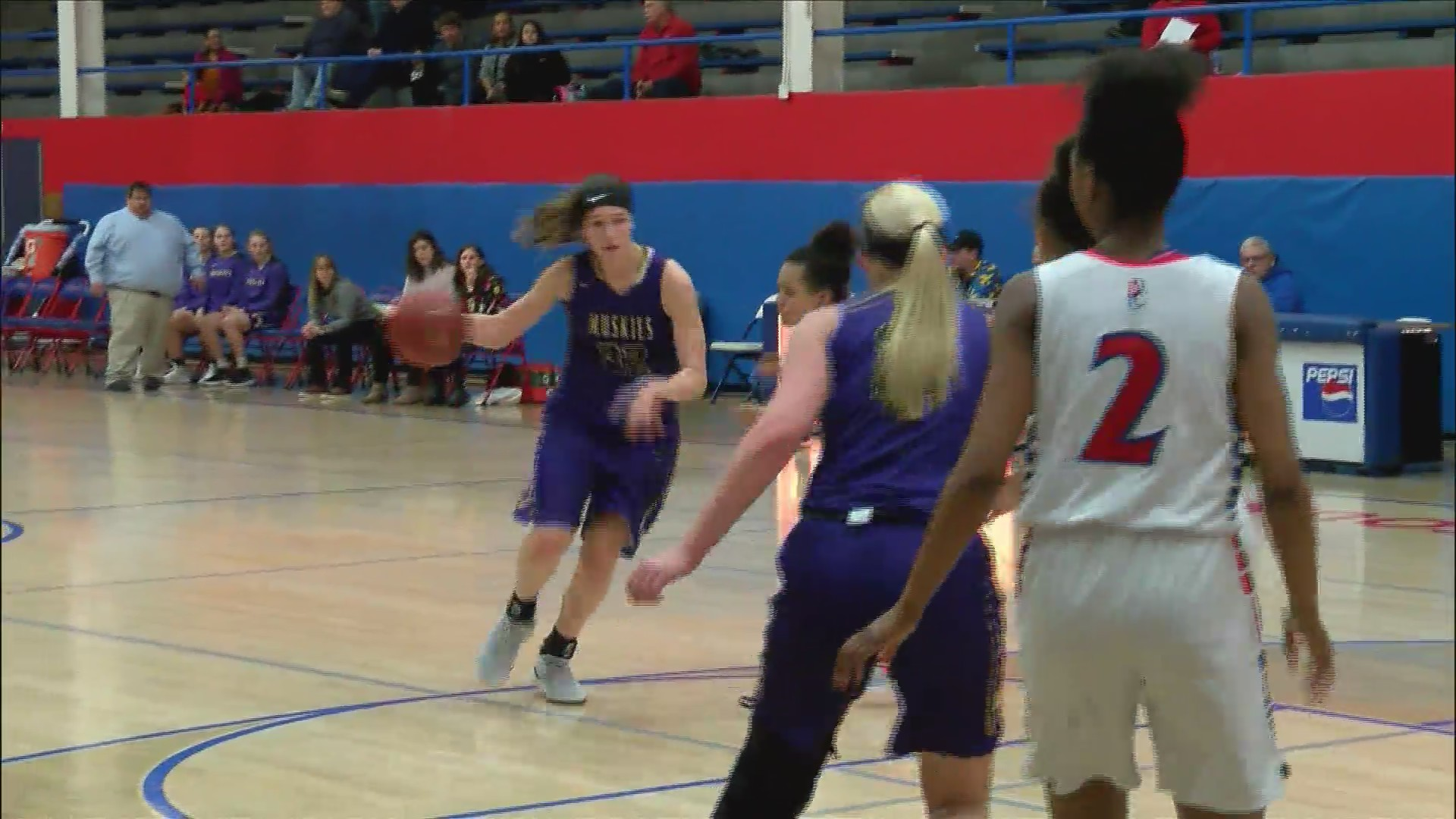 Muscatine girls basketball tops Central